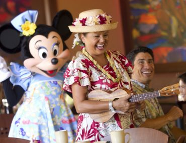 Is the Disney Aulani Character Breakfast on Oahu Worth it? Review featured by top US Disney Blogger, Marcie and the Mouse: The Aulani Character Breakfast features Mickey Mouse and friends and is a really fun thing to do on Oahu with kids
