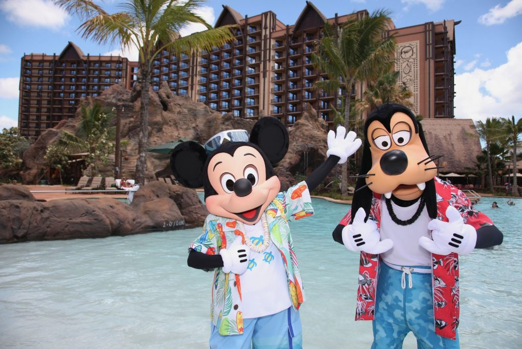 Disney Aulani resort tips featured by top US Disney blog, Marcie and the Mouse: Get the best Aulani tips to make the most of your Hawaiian vacation