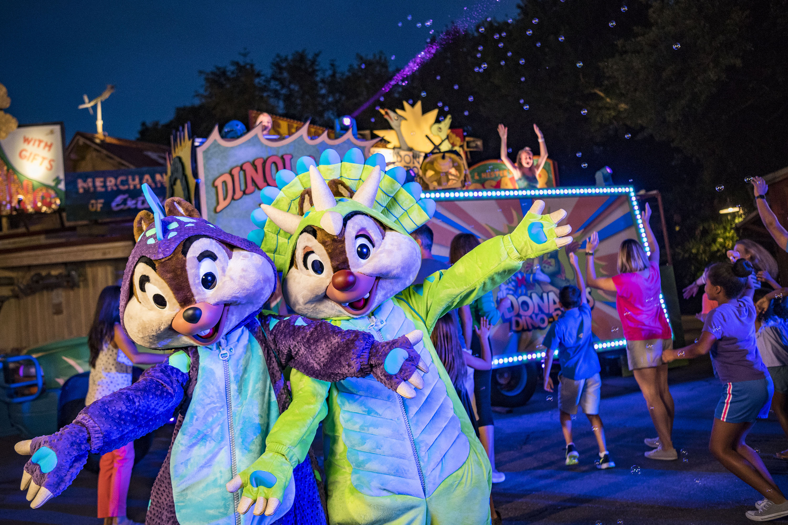 Top 5 Tips for Disney's Animal Kingdom Magic that Don't Cost Extra featured by top US Disney blogger, Marcie and the Mouse: A fun Disney's Animal Kingdom event is the Dino-Bash