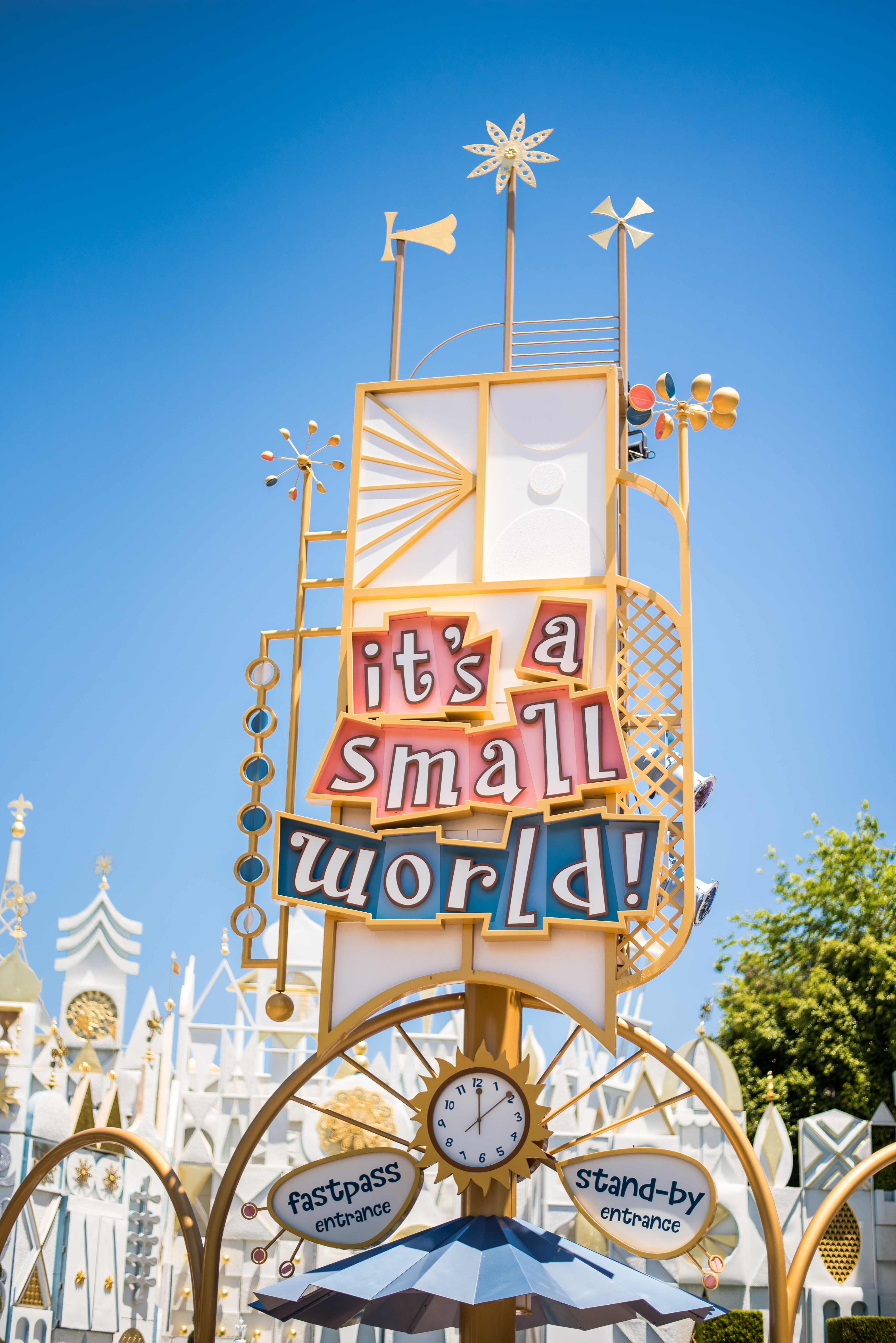 "Tips for Doing Disneyland While Pregnant featured by top US Disney blogger, Marcie and the Mouse: ""it's a small world"" is a pregnancy-friendly ride at Disneyland in California"