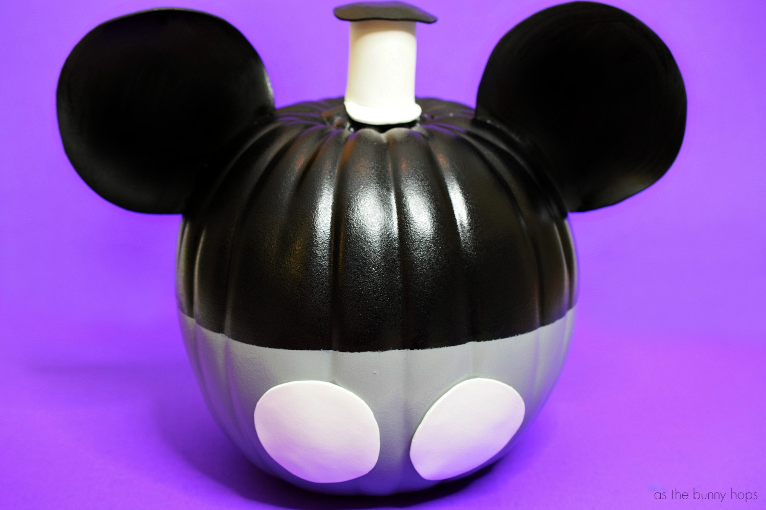 The Best 15 Disney No Carve Pumpkin Ideas featured by top US Disney blog, Marcie and the Mouse: Mickey Mouse Steamboat Willie Pumpkin Idea