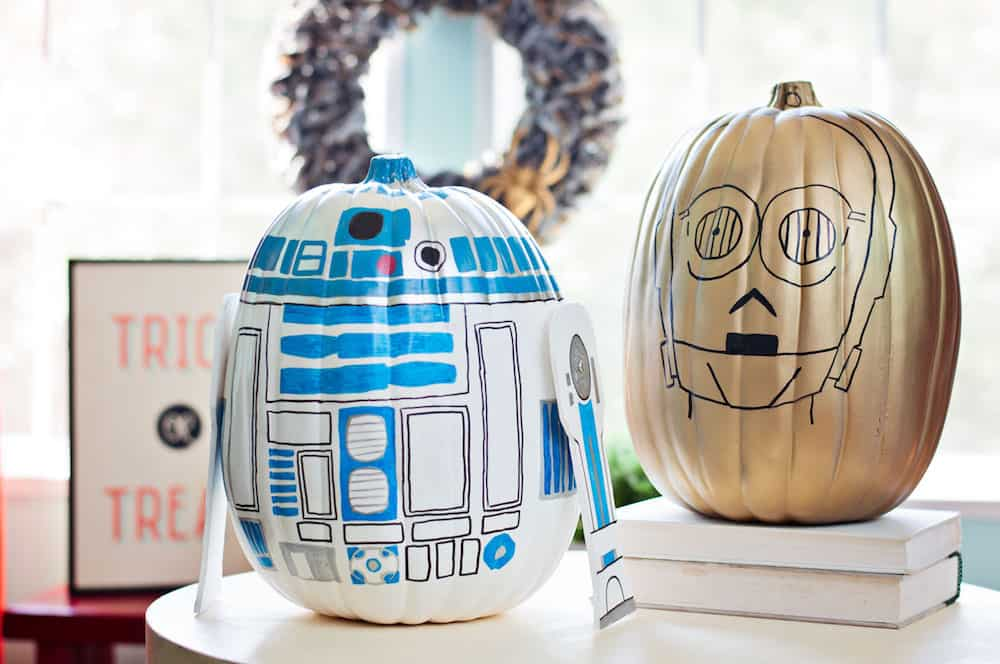 The Best 15 Disney No Carve Pumpkin Ideas featured by top US Disney blog, Marcie and the Mouse: Star Wars no-carve pumpkins featuring R2D2 and C3PO from Star Wars