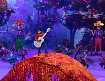 Disney on Ice: Mickey's Search Party show featured by top US Disney blogger, Marcie and the Mouse | Find out what to expect with Disney on Ice: Mickey's Search Party from top Disney blogger Marcie and the Mouse