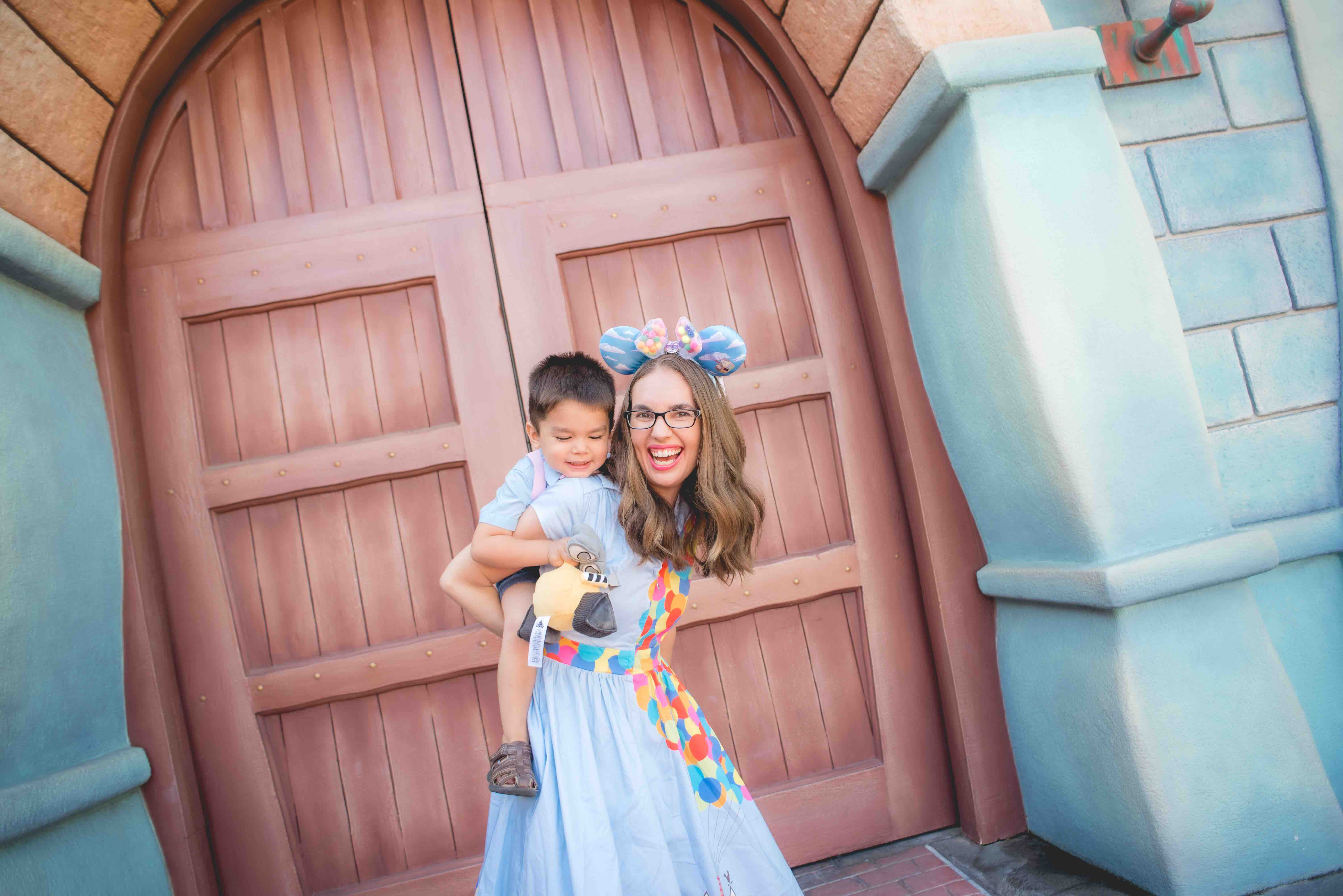 Book a Disneyland photo shoot with a professional photographer at Disneyland or Disney California Adventure