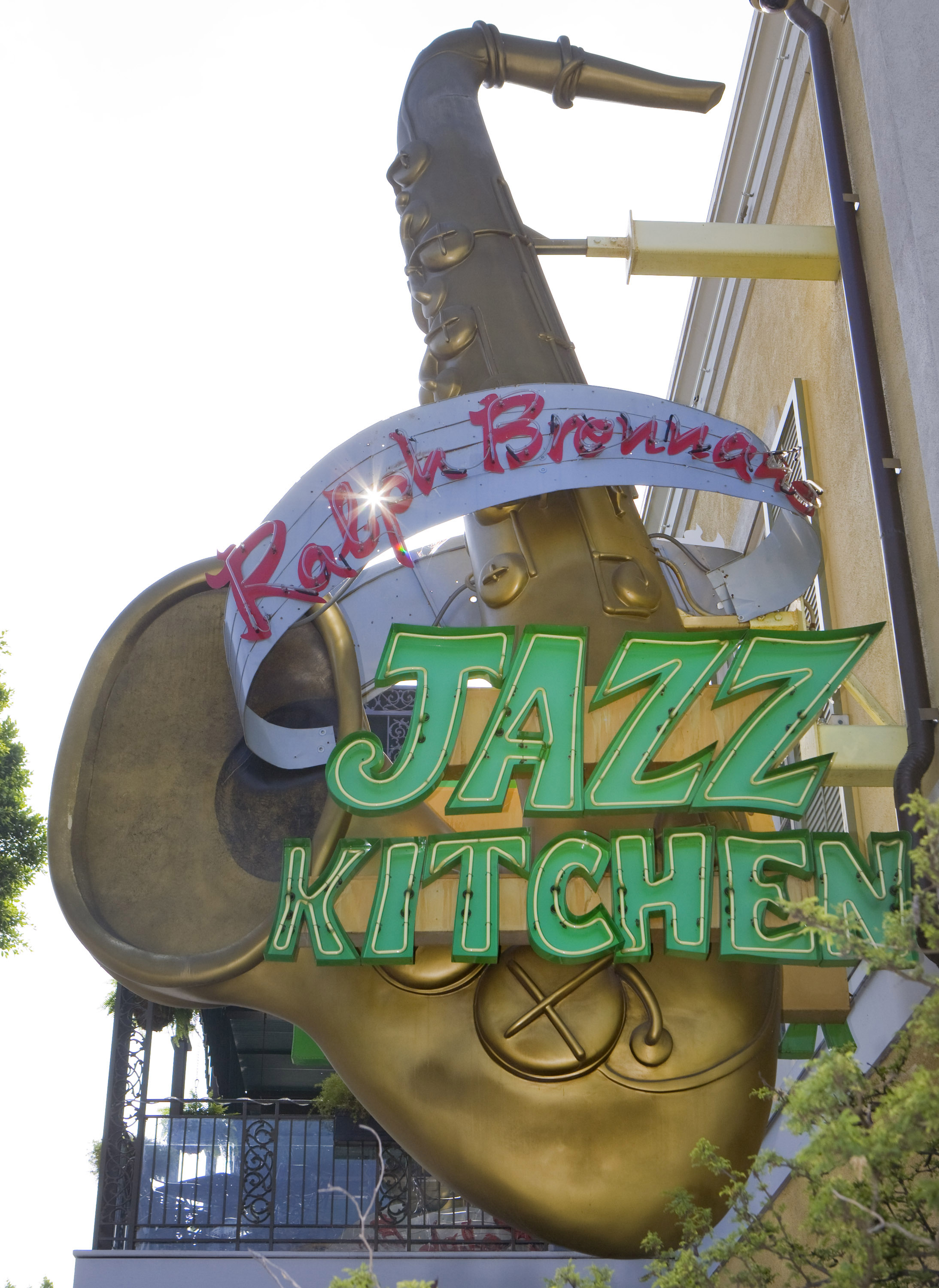 Best places for breakfast in downtown Disney featured by top US Disney blogger, Marcie and the Mouse | You can get sit down breakfast at Ralph Brennan's Jazz Kitchen Express in Downtown Disney