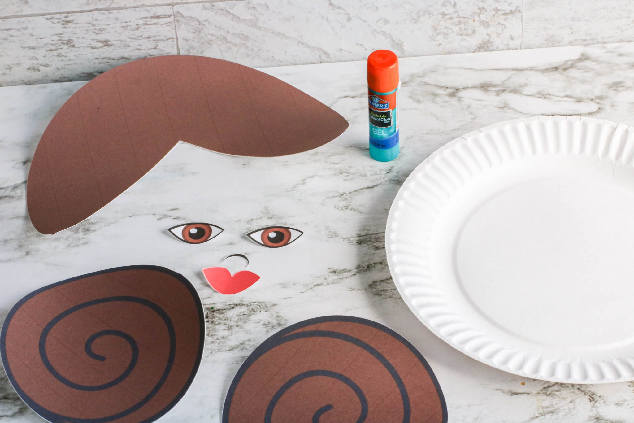 DIY Star Wars Princess Leia Craft featured by top Disney blogger, Marcie and the Mouse